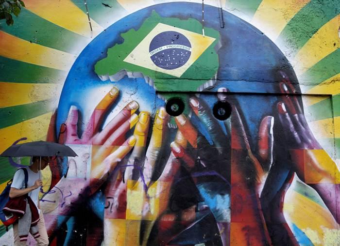 graffitis de futbol - manos