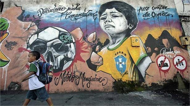 graffitis de futbol - nino llorando