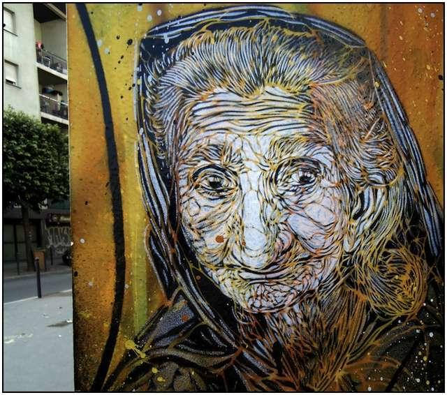 graffitis de mujeres - anciana