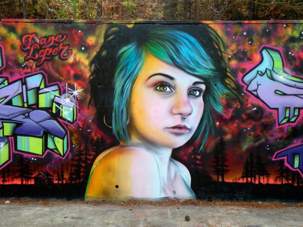 graffitis de mujeres - argolla en la nariz
