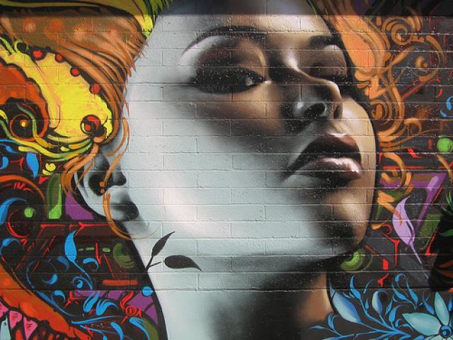 graffitis de mujeres - colores